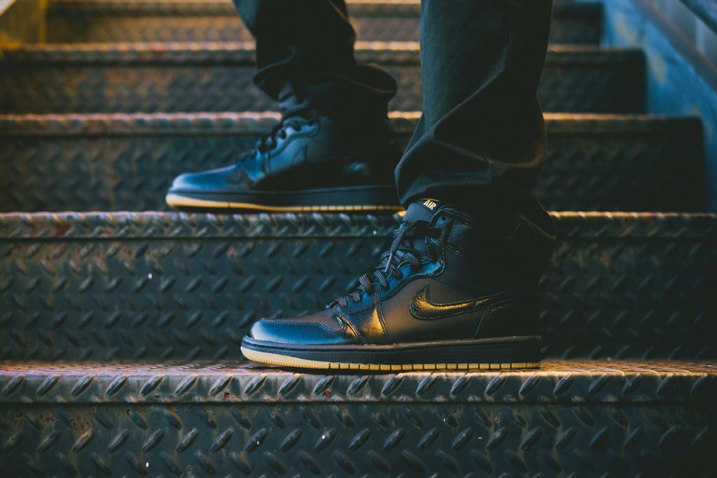 Air_Jordan_1_OG_Black_Black_Gum_