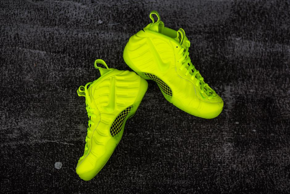 """Nike Air Foamposite Pro """"Volt"""""""
