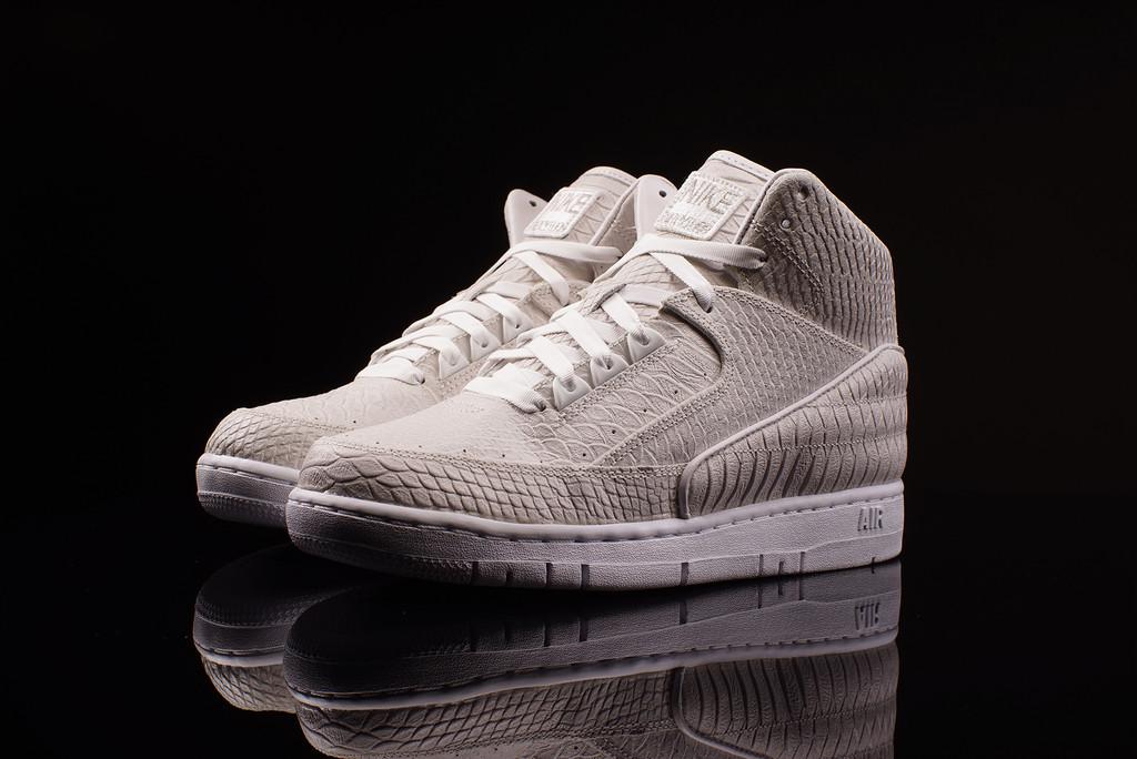 "Nike Air Python PRM ""Metallic Silver"""