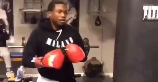 Twitter Reacts To Video Of Meek Mill Boxing