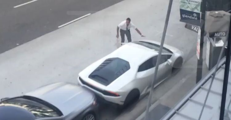 Best Car For Uber >> Watch Travis Scott Bang His Lamborghini In Parking Snafu ...