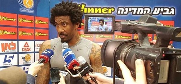 Amar'e Stoudemire Says He Would Avoid A Gay Teammate