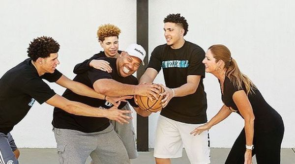 LiAngelo And Lamelo Ball Sign With Pro Team