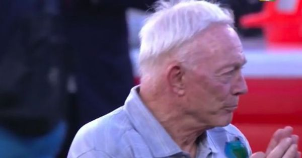 Everybody Is Roasting Jerry Jones For His Hair [PHOTOS]