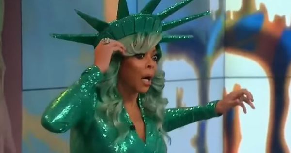 Wendy Williams Passes Out On Live TV [VIDEO]