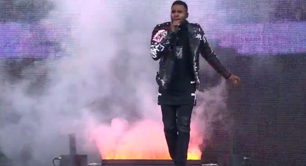 Jason Derulo Clowned for Giving Strange Halftime Performance [VIDEO]