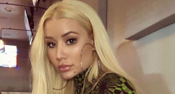 Iggy Azalea Accused Of Taking A Shot At Nicki Minaj & Cardi B