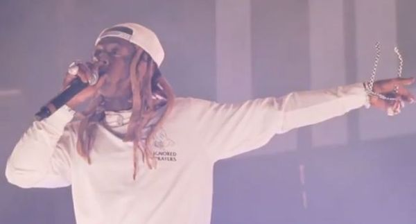 Lil Wayne Threatens Crowd With Guns After Bottle Thrown On Stage