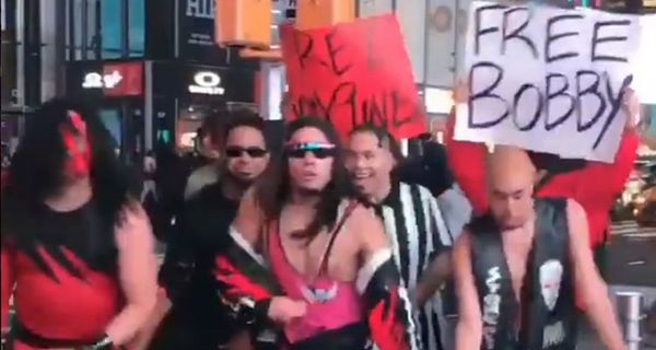 WWE Actors Perform Tribute For Tekashi 6ix9ine & Bobby Shmurda In Times Square