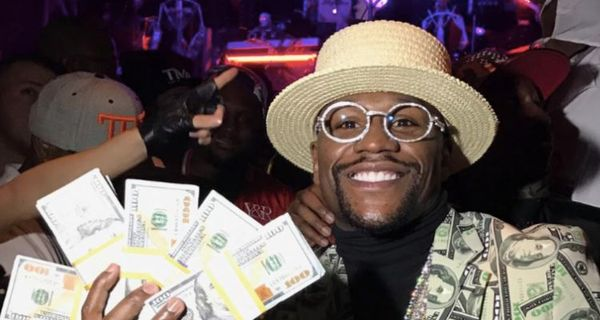 Floyd Mayweather Shows Off 40 Watches, An $18 Million Watch & A Lot Of Cash