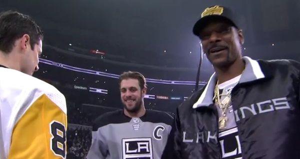 Snoop Dogg Provides Hilarious Commentary For Los Angeles Kings Hockey Game