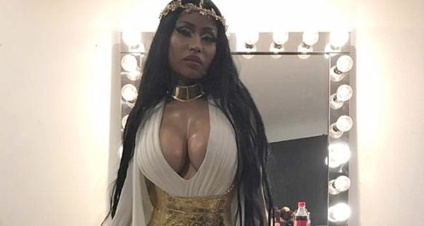 Nicki Minaj Shows Off Her Buttocks On Tour, Insists It's Not Fake