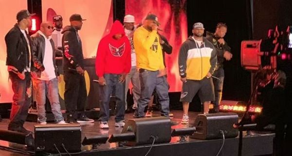 "Wu-Tang Clan Performs ""Triumph"" On The Tonight Show With Jimmy Fallon"