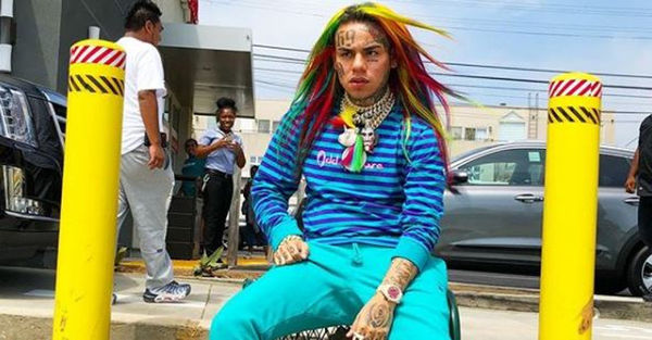 Tekashi 6ix9ine's Girlfriend Exposes Him With New Hairstyle