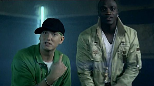 Akon Cracks Everyone Up Explaining Eminem's Studio Process