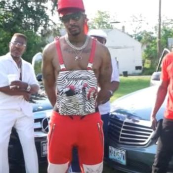 Chingy Seems To Be a Blood All Of A Sudden In New Music Video