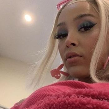 Doja Cat Causes A Near Riot After Showing Off Her Curves On Instagram