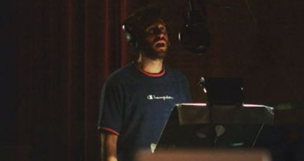"""Lil Dicky Flexes His """"Elite, World Class Rapper"""" Bona Fides & Says He's not Done With Rap"""