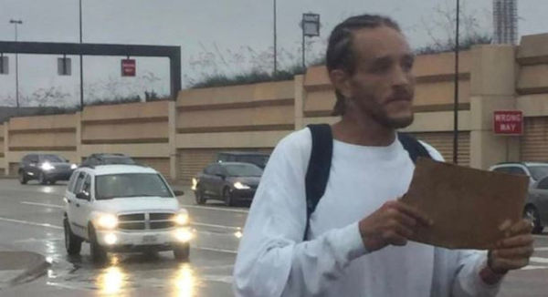 Delonte West Spotted Back Out on The Street